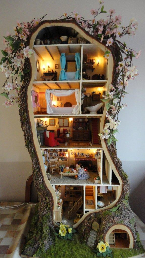 plan wooden dollhouse
